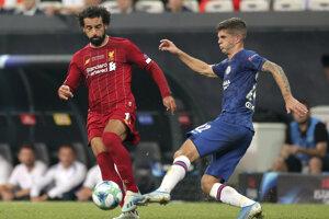 Mohamed Salah (vľavo) v zápase Superpohára UEFA medzi FC Liverpool - Chelsea Londýn.