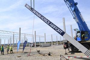 Symbolické začatie výstavby novej priemyselnej haly v areáli Panattoni Park Košice Airport.