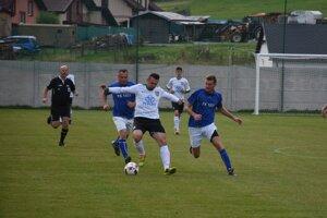 Vo Vikartovciach videli diváci sedem gólov.