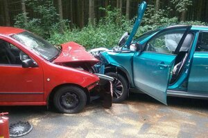 Čelná zrážka dvoch áut pri Zuberci.
