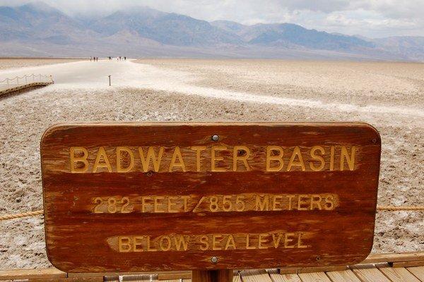 Údolie smrti, Kalifornia, USA: 57°C. Všetky najhorúcejšie miesta sveta lákajú turistov.