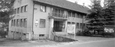 priestor pred kultúrnym domom je miestom obecnej zabíjaky.