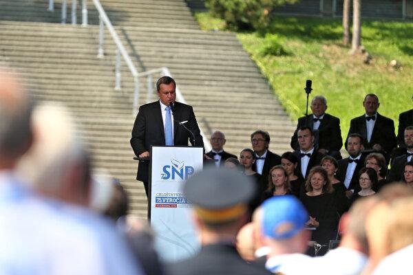 Predseda parlamentu Andrej Danko sa prihovára počas osláv 75. výročia vypuknutia SNP.