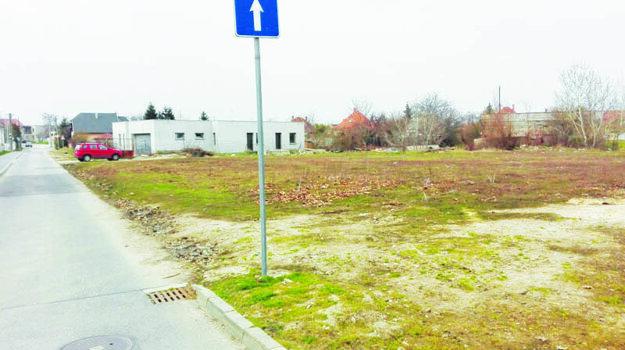 Škola požiadala radnicu ovýpožičku časti pozemku vo výmere 530 m2.