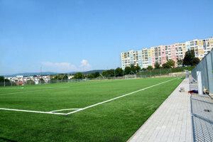 Podľa zväzu na ihrisku sa môže hrať futbal už aj zajtra. Rokujú s klubmi.