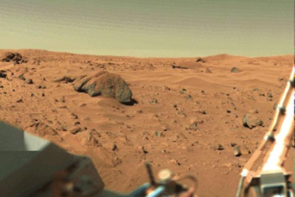 Pristávací modul sondy Viking zhotovil v 70. rokoch unikátne fotografie Marsu.
