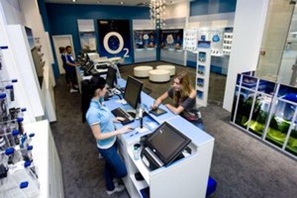 Telefónica má u nás asi 1,2 milióna zákazníkov, je teda najmenším mobilným operátorom. Orange má 2,9 milióna a Telekom 2,3 milióna zákazníkov.