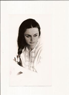 brezna-emigrantka-mlada.jpg