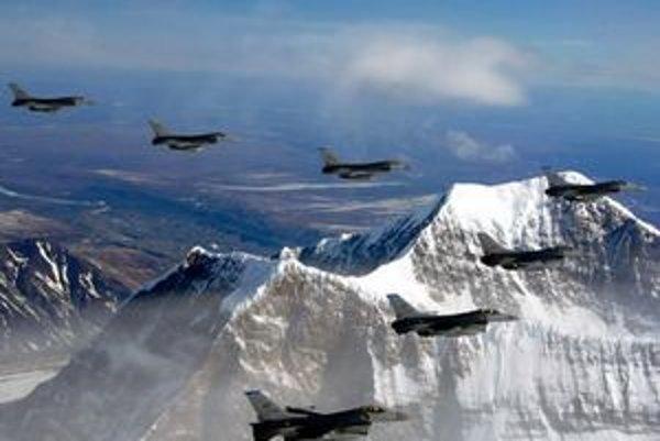 Lockheed Martin sa podieľa aj na výrobe bojového lietadla F-16.