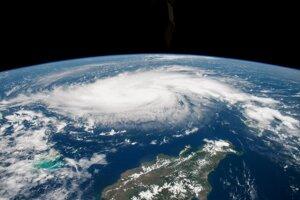 Hurikán Dorian zo satelitu.