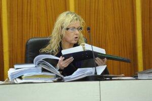 Monika Jankovská ako sudkyňa v pojednávacej miestnosti Okresného súdu v Trenčíne v roku 2008.