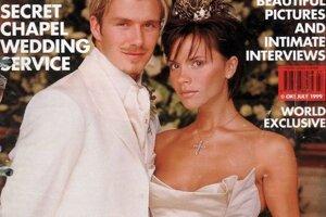 Victoria Beckham sa vydávala v roku1999. Oblečené mala šaty od Very Wang.