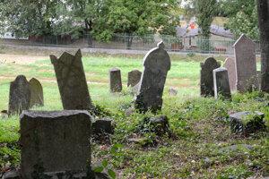 Najstarší ortodoxný židovský cintorín v Košiciach bol kedysi situovaný na okraji mesta. Dnes ho obkolesuje hustá výstavba.