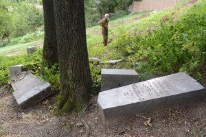 Ako národná kultúrna pamiatka by cintorín mohol byť pod väčšou ochranou.