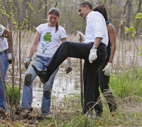 sadenie-stromcekov-prezidenti3_tasrap.jpg