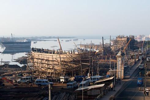 pristav-v-ktorom-sa-rodia-lode.jpg
