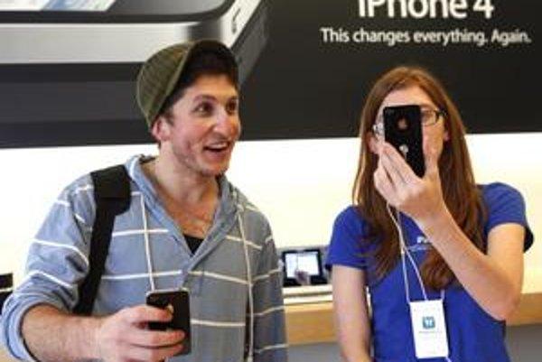 Populárny iPhone sa momentálne nedá v Orangei kúpiť.