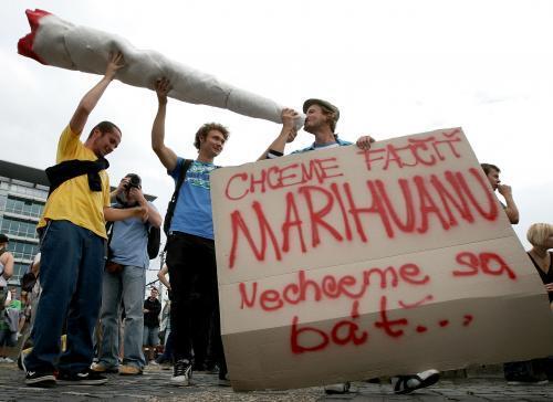 pochod_za_marihuanu.3.sme.jpg