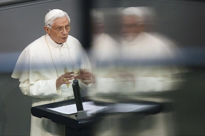 pope7-820.jpg