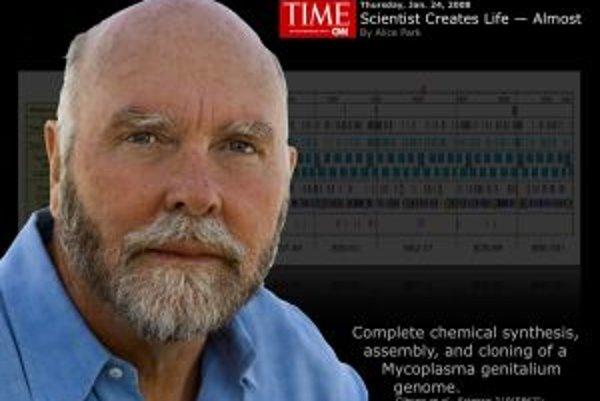 V roku 2008 oznámil tím J. Craiga Ventera, že syntetizoval umelý genóm baktérie Mycoplasma genitalium. Bola to prvá umelo vytvorená dedičná informácia.