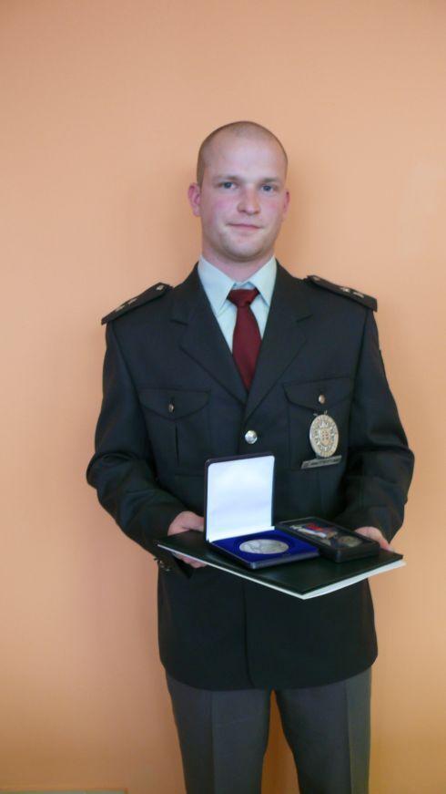 policajt1.jpg