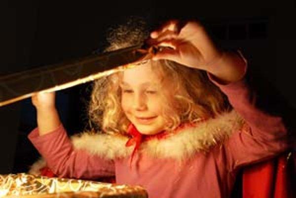 Mobilný telefón pod vianočným stromčekom hľadajú už aj deti v predškolskom veku.