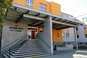 Nové detské ihrisko pribudne aj pri Základnej škole Jána Švermu.