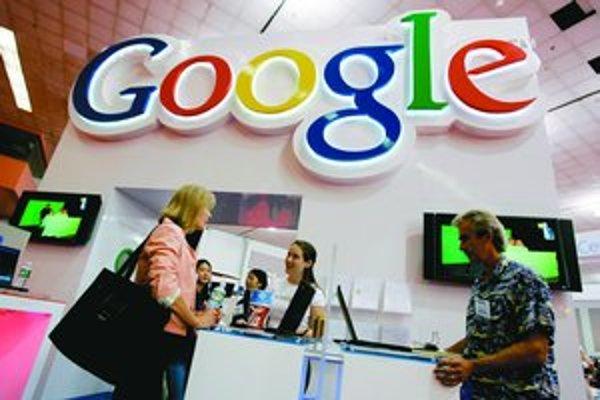 Už aj internetová spoločnosť Google vstupuje na trh mobilných telefónov. Budúci rok začne vyrábať vlastný mobil.