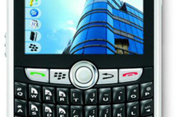 Blackberry 8820.