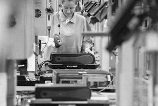 Len zlomok robotníkov sa dostane k samotnej montáži počítačov – každý sa však o to snaží, táto práca je najlepšie platená.