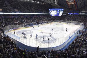 Vypredaná Steel Aréna v predohrávke 1. kola Tipsport ligy 2019/2020 HC Košice – HC Slovan Bratislava.