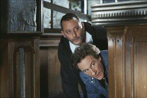 Z prostredia psychiatrických liečební čerpajú často aj filmári. Gérard Depardieu a Jean Reno hrali vo francúzskej komédii Drž hubu!