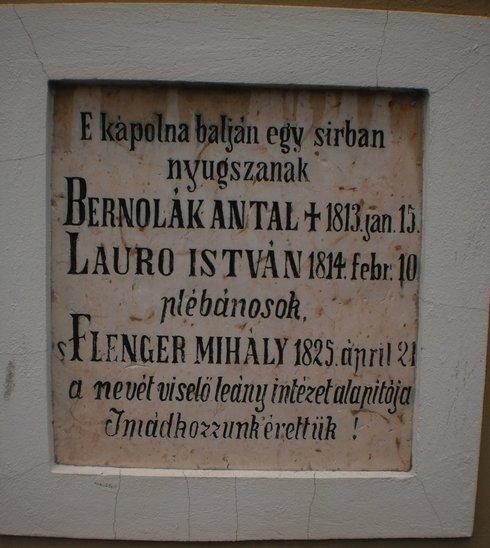pamutna-tabula-v-madarskom-jazyku--na-pr_r633_res.jpg