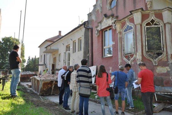 Na Sokolovni sa robia búracie práce.