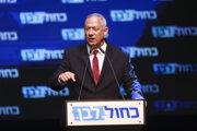 Líder izraelského centristického bloku Modrá a biela Benny Ganc.