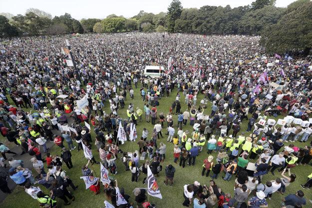 Desaťtisíce ľudí na proteste v austrálskom Sydney.