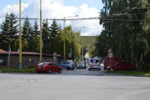 Trolejové vedenie by mohlo pokračovať ulicou ďalej až na Sibírsku.