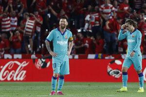 Lionel Messi (vľavo) a Antoine Griezmann.
