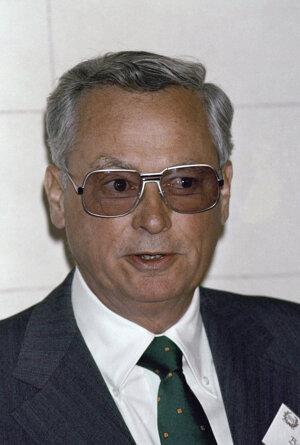 Barron Hilton na snímke z roku 1987.