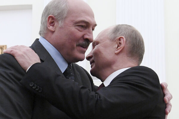 Bieloruský prezident Alexandr Lukašenko s Vladimirom Putinom.