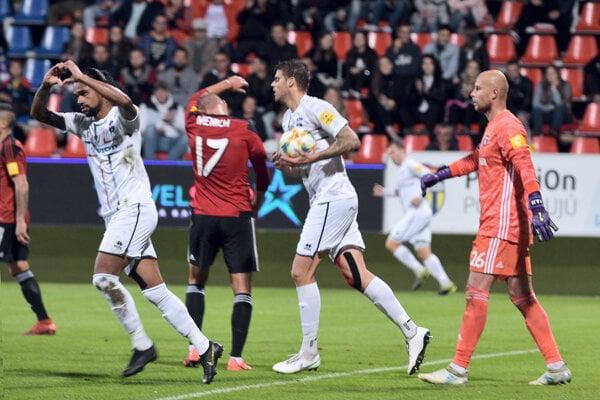 Brazílčan Silvio (vľavo) sa tešil z prvého ligového gólu v drese FC ViOn.