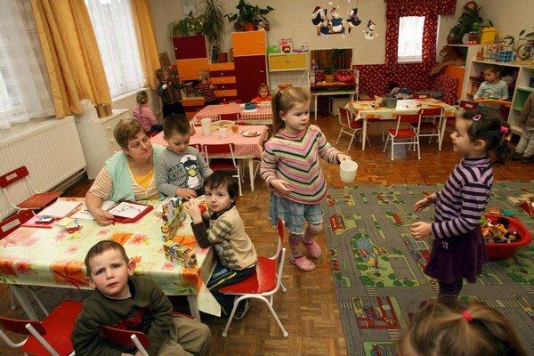 Škôlky pripravia pre viac detí.
