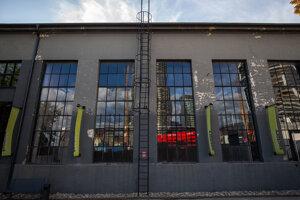 Industriálne priestory Design Factory vznikli konverziou bývalej stavomontážnej haly.