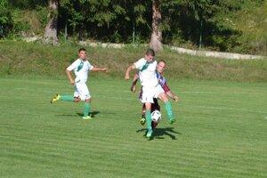 Košecké Podhradie (v bielom) prišlo v Tuchyni o bod v závere.