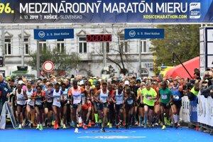 Medzinárodný maratón mieru v Košiciach sa pobeží na zmenenej trati.