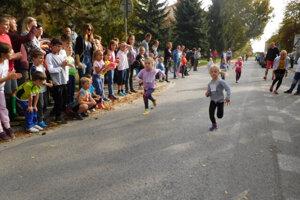 Na Večernom behu budú súťažiť aj školáci a predškoláci.