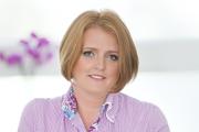 PhDr. Alena Kellnerová, MPH sa v Univerzitnej nemocnici L. Pausteura v Košiciach stará o pacientov už 25 rokov. Funkciu vedúcej sestry Kliniky úrazovej chirurgie zastáva od roku 2009. Je čerstvou držiteľkou ocenenia Moja sestra, na ktoré ju nominovala Asociácia na ochranu práv pacientov. Za svoju profesionalitu a ľudskosť získala aj špeciálnu cenu verejnosti.