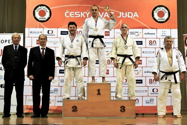 Druhý Peter Pozník (vľavo).