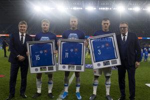 Peter Kliment (vľavo) počas rozlúčky s trojicou reprezentantov Slovenska.