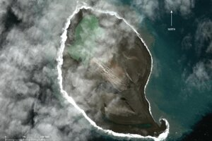 Satelitný záber ostrova Bogoslof z roku 2018.